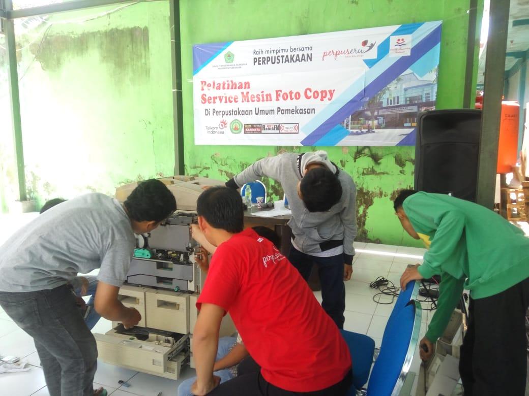 Pelatihan Service Mesin Fotocopy Upaya Perpustakaan Pamekasan Untuk meningkatkan Kesejahteraan masyarakat
